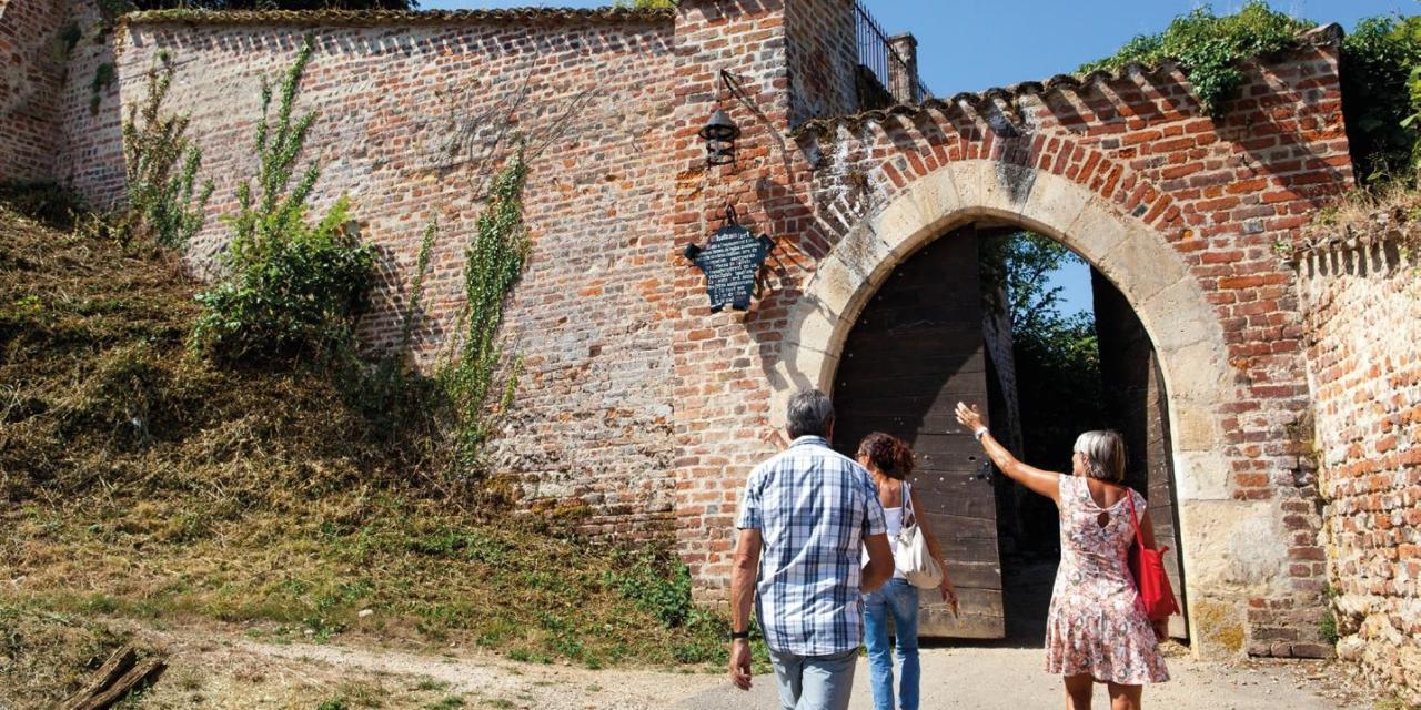 Journées du Patrimoine : bivouaquer au château de Châtillon-sur-Chalaronne