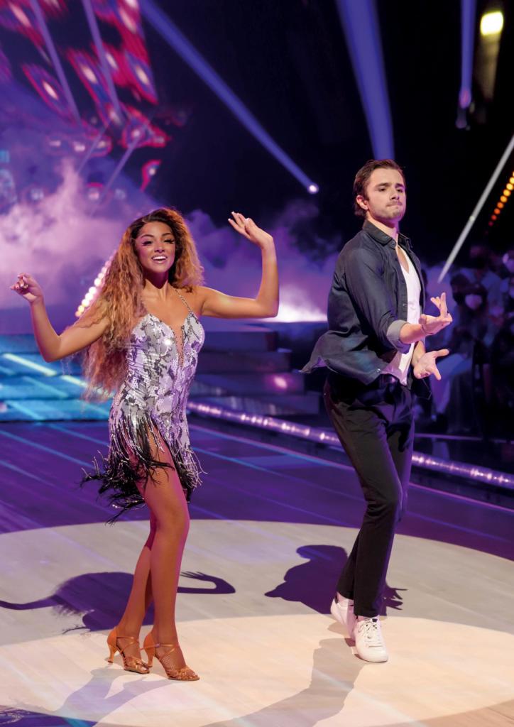 Danse avec les stars - Wejdene et Sam ©Laurent Vu - TF1